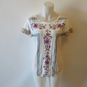SUNDANCE WHITE FLORAL SHORT SLEEVE COTTON TEE SZ M